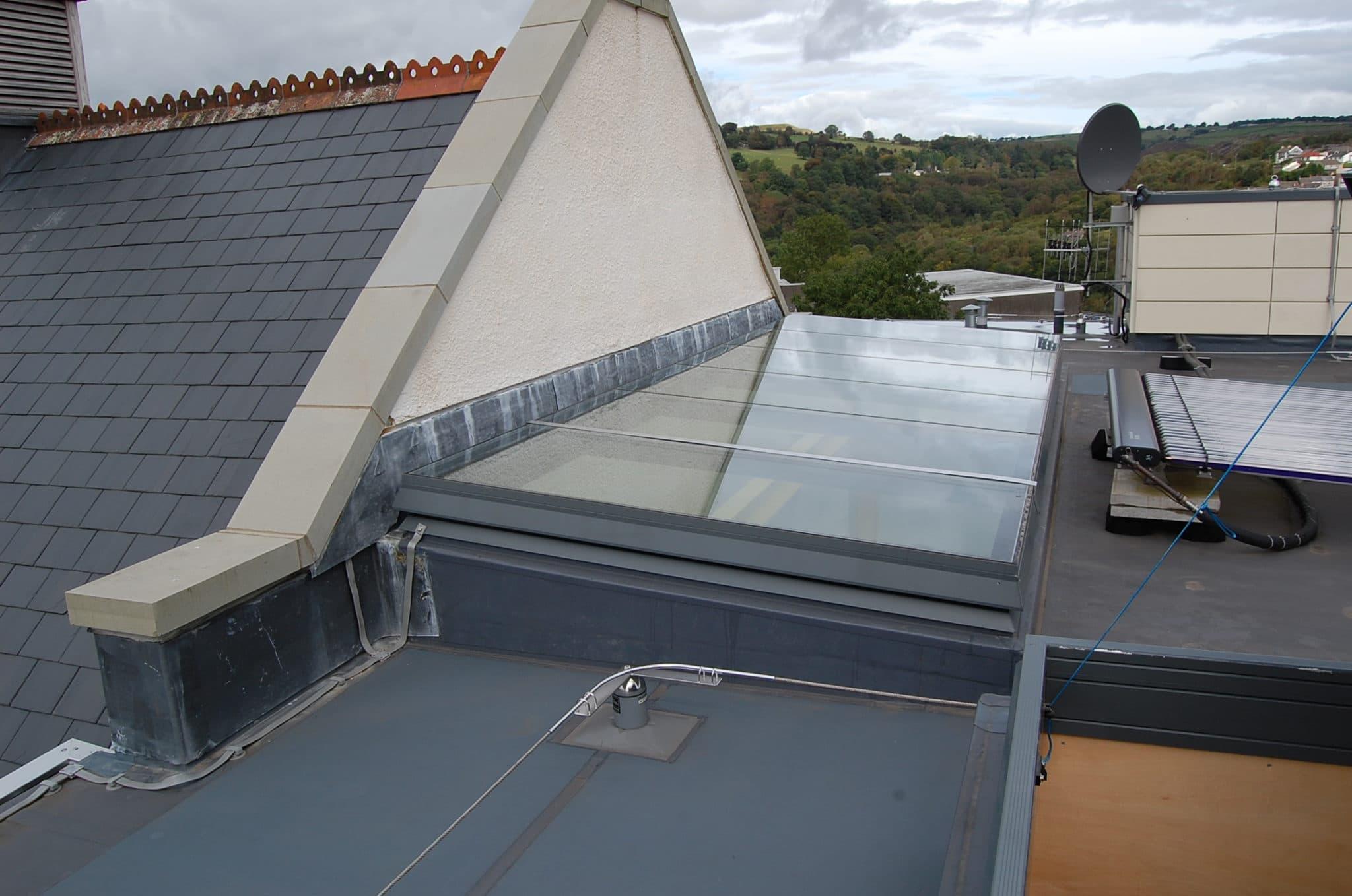 Groovy Świetliki dachowe szklane - bogata oferta Surespan Access & Escape YH96